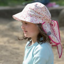 Baby pink flap hat Cora in organic cotton with flowers