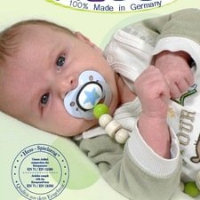 Flexible wooden pacifier holders with ring