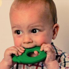 Green Apple Lanco teether in natural rubber
