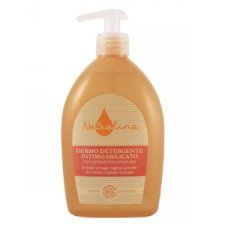 Intimate hygiene cleanser with organic oat