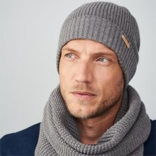 Knitted man hat in merino wool and organic cotton