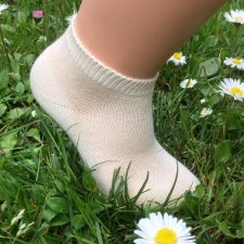 Low cut socks in undyed organic cotton