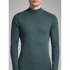 Man turtleneck sweater in warm organic cotton