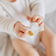 Massaggiagengive e Succhietto ANITA LA BANANITA in caucciù naturale
