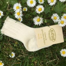 Newborn socks in undyed organic cotton