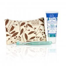 Small pouch for natural dental hygiene