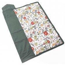 Waterproof blanket with primrose print