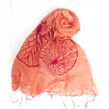 Scarf with peach print in viscose and silk Fairtrade