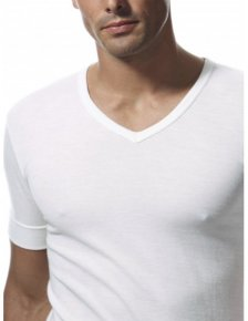 V-neck T-shirt Wool outside and 100% cotton on the skin