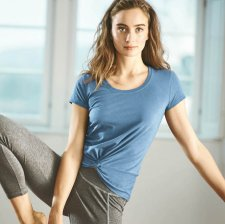 Yoga T-shirt with knot at the waist in hemp and organic cotton