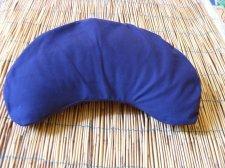 Organic Spelt Crescent pillow