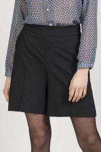Pantaloni corti GUAVA da donna in pura lana, moda etica e sostenibile