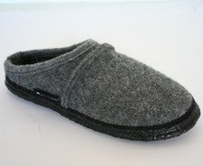 Unisex gray slippers in organic wool