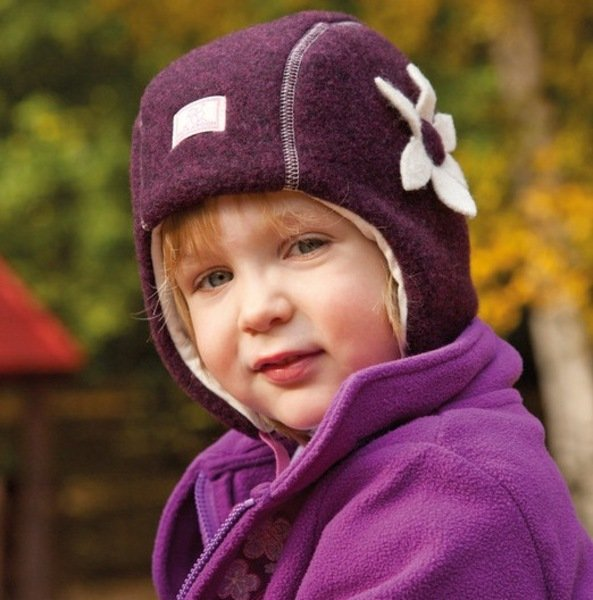 Baby girl blueberry hat Nele in organic wool