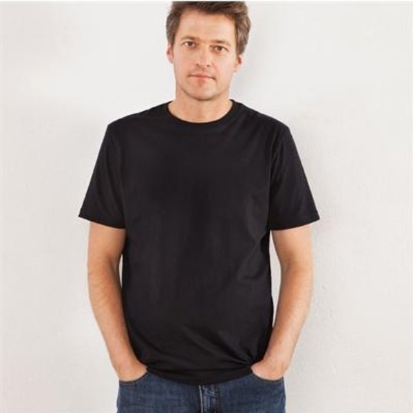 Basic man black t-shirt in organic cotton
