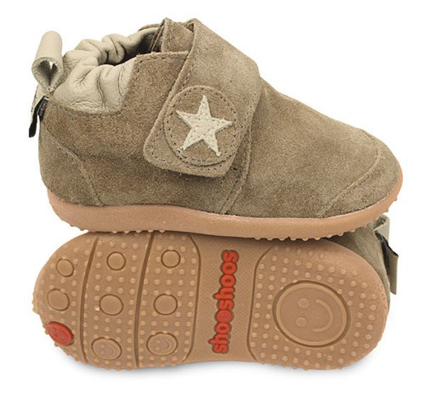 Brown star toddler shoes with flexi sole in rubber