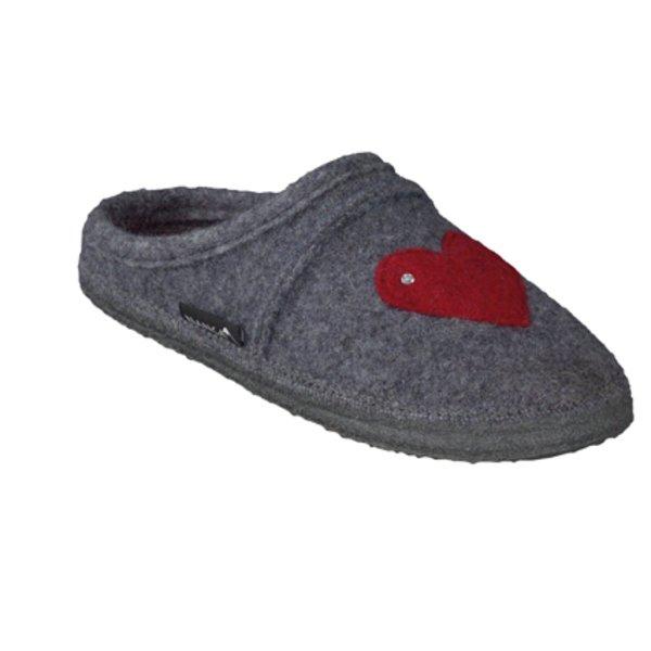 Heart slippers in organic wool