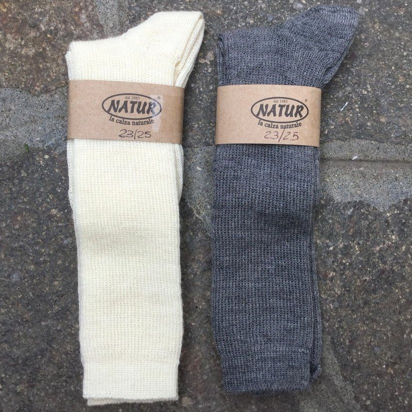 Knee-high socks in organic wool and organic cotton