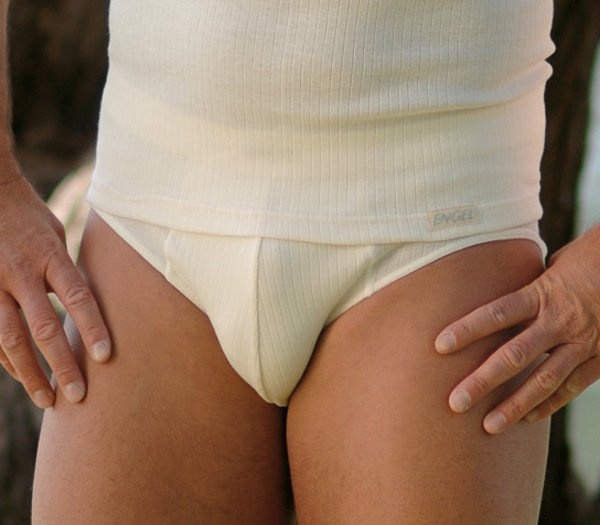 Men's brief in undyed ribbed organic cotton