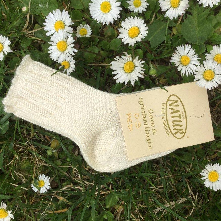 Newborn socks in undyed organic cotton