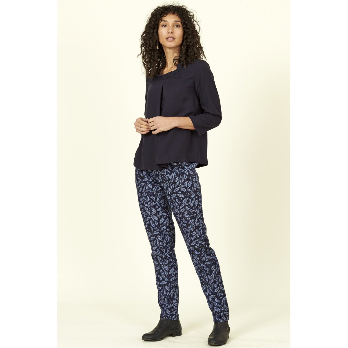 Pantaloni Foglie Batik Blu in Lyocell Tencel