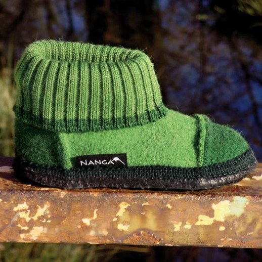 Unisex green ankle high slippers in organic wool