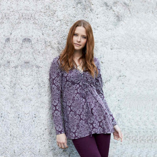 V-neck shirt in organic cotton
