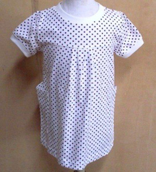 Vestito bianco a puntini