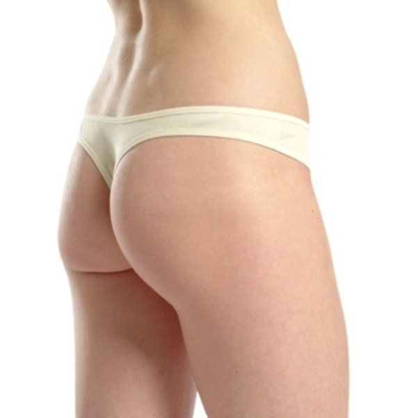 Woman classic v-string in organic cotton